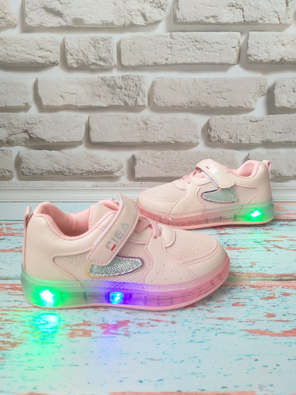 Детские розовые кроссовки с подсветкой на девочку 28 размер