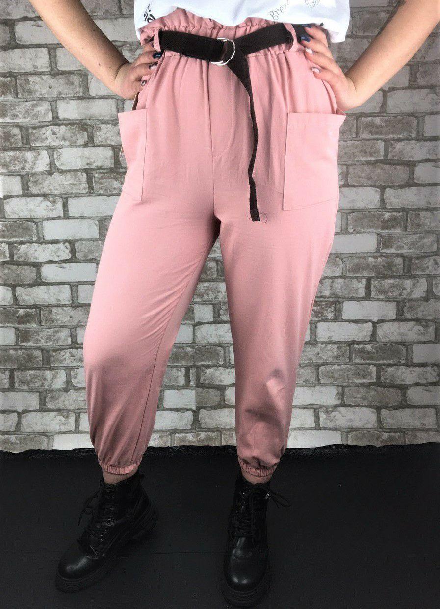 Женские брюки розовые с коричневым поясом