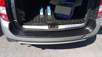 Захисна накладка на задній бампер (2010-2017)