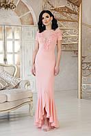Вечернее платье в пол с глубоким декольте из кружева и роз
