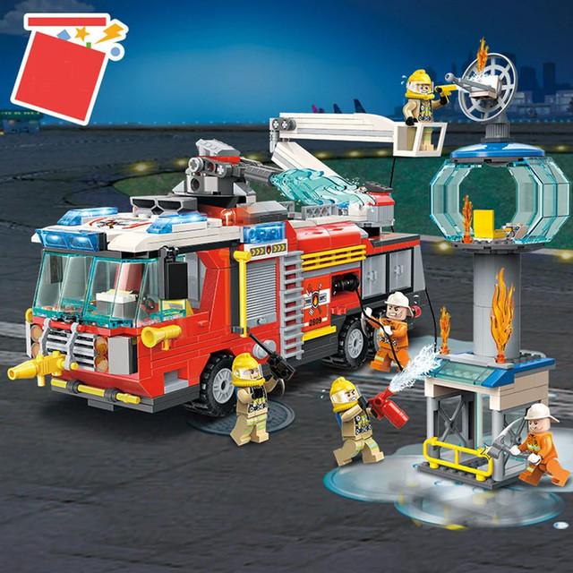 """Конструктор Brick/Qman 2809 """"Пожарная машина"""", 647 детали"""
