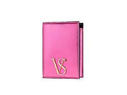 Обложка на паспорт Victoria's Secret Jewel Metallic Passport Case, Розовый металлик