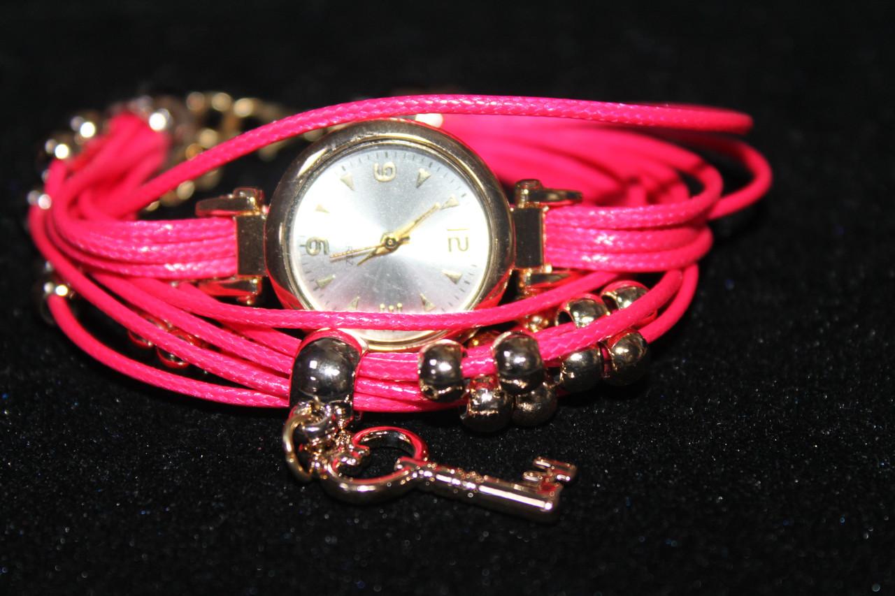 Элегантные женские часы на розовом ремешке