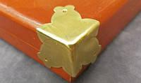 Уголок декоративный золото 30х30 мм