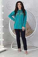 Демисезонный повседневный Женский  костюм спортивного стиля украшенный стразами DMC размеры 56-62