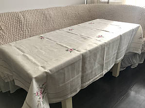 Скатерть льняная с вышивкой размер 150х220  / 100% натуральный хлопок с эффектом объемной вышивки