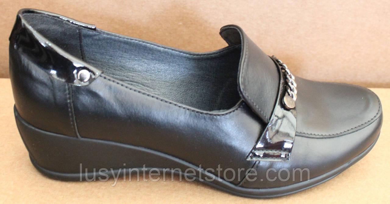 Туфли женские на широкую ногу на танкетке от производителя модель БД33Т