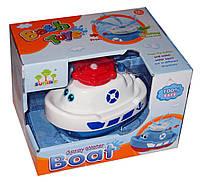 Катер для ванны 87002 с фонтаном, на батарейках в коробке
