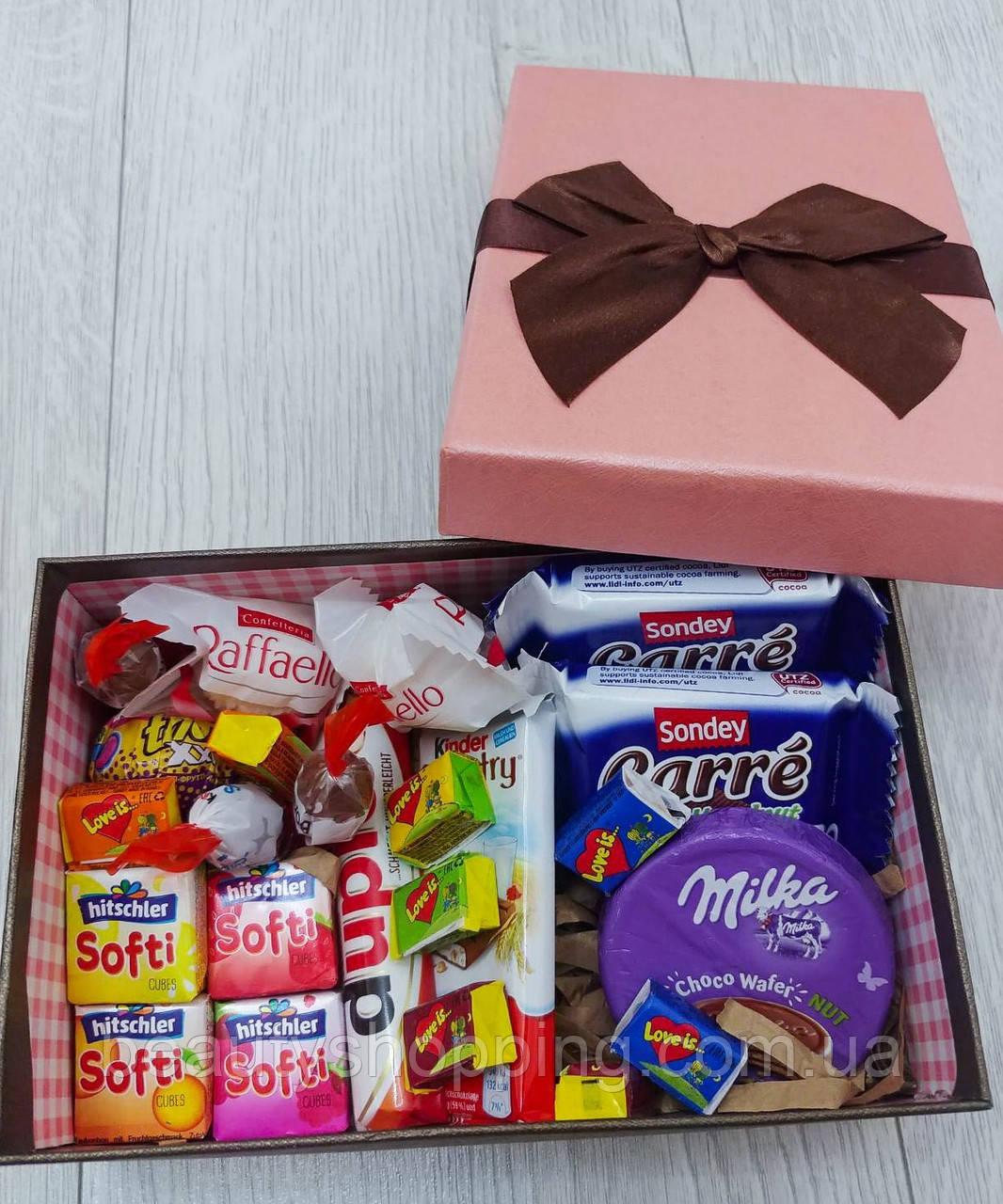 """Подарочный набор сладостей в коробке """"Best Moments"""""""