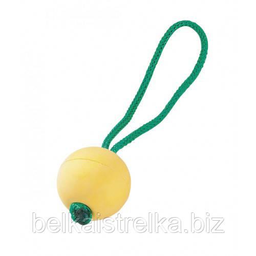 Плавающий резиновый мяч Sprenger с ручкой для собак, 6.5 см