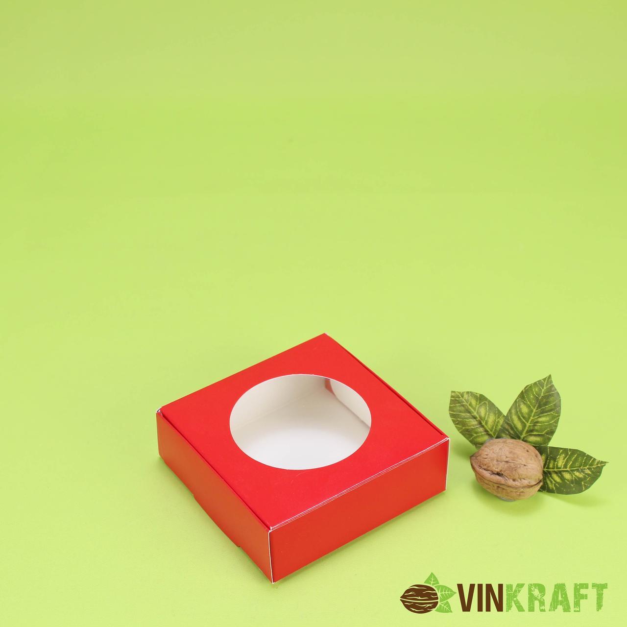 Коробка 100*100*35 для пряника и цукерок з вікном, червона