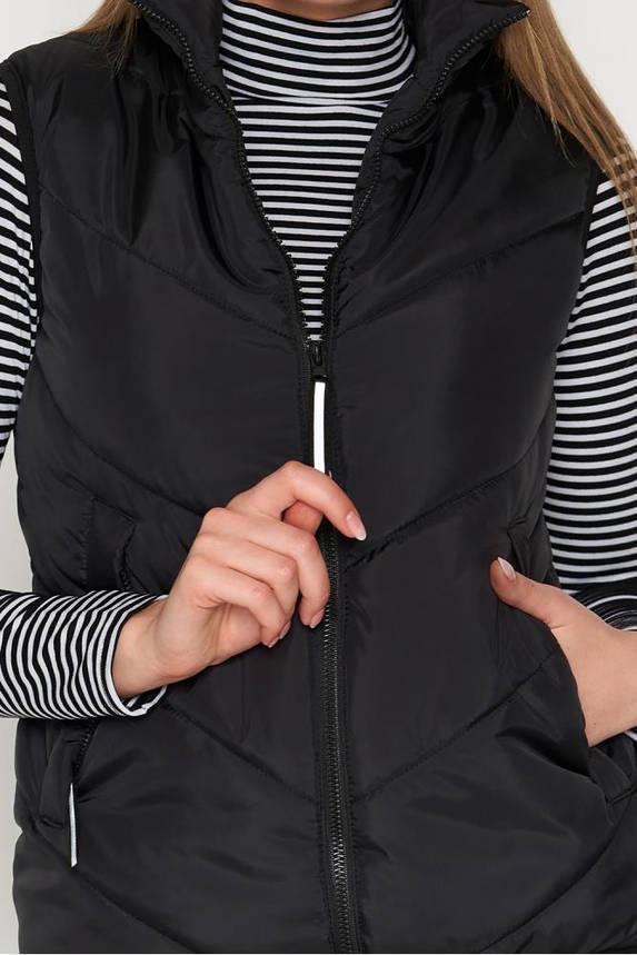 Жилет женский утепленный черного  цвета, фото 2