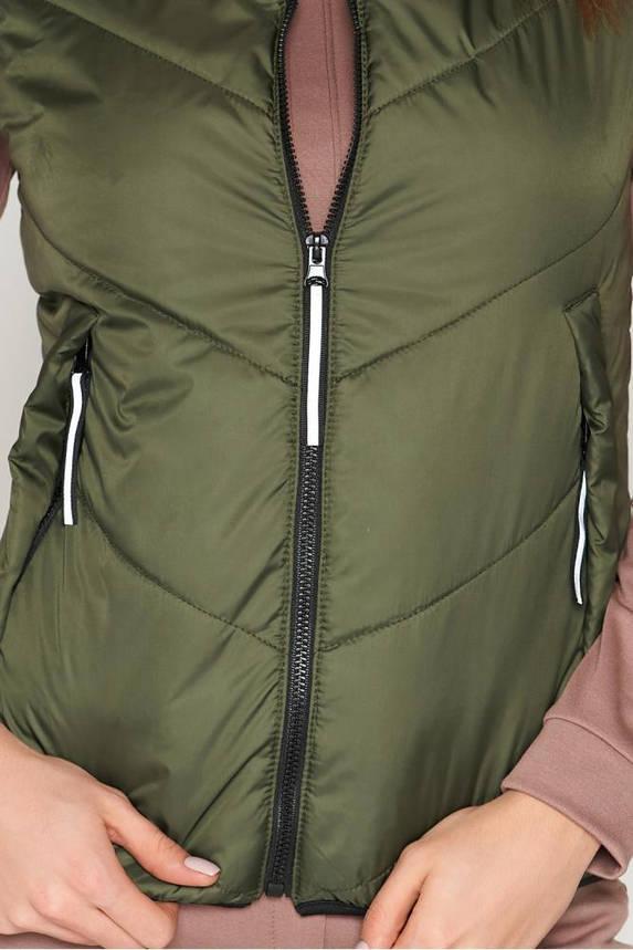 Женская жилетка-безрукавка утепленная дутая цвета хаки, фото 2
