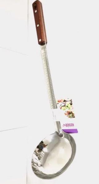 Кухонный половник | Ополоник | Столовые приборы | Половник с деревянной ручкой Benson BN-280
