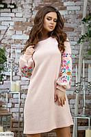 Практичное прямое ангоровое платье с красивой вышивкой на рукавах арт 7316