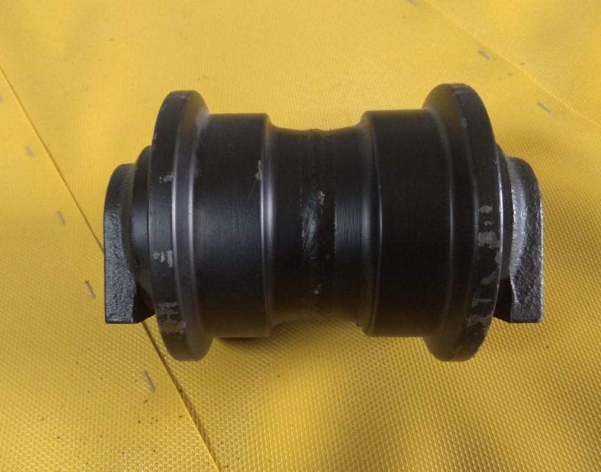 Опорный каток гусеницы экскаватора Sumitomo SH480 (аналог Case)