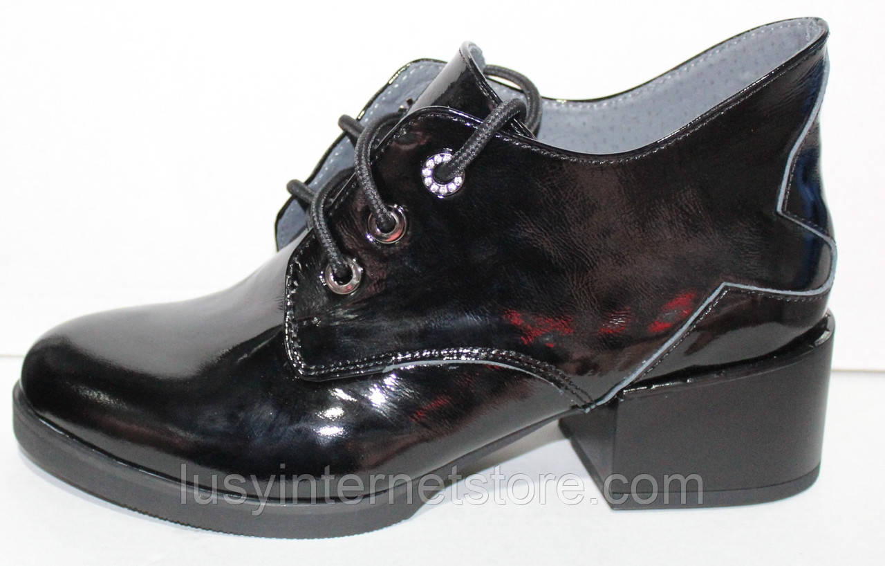 Ботинки женские демисезонные кожаные на каблуке от производителя модель РИ7-42-1
