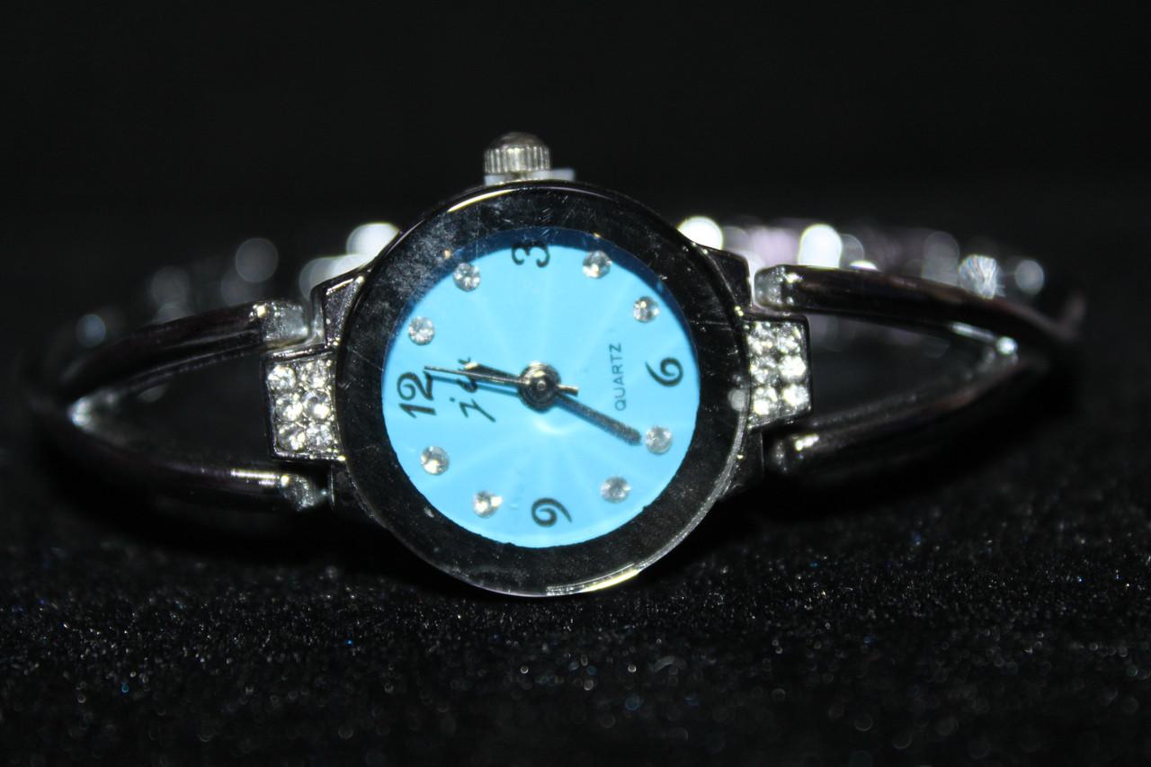 Модные часы женские металлический серебристый браслет