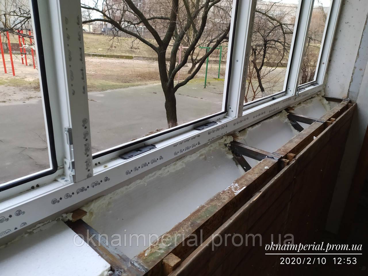 Изготовление выноса и установка балкона на него.