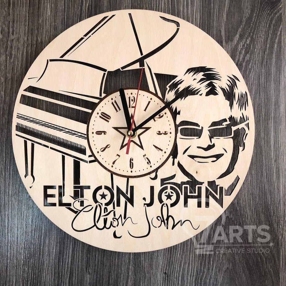 """Оригинальные настенные часы """"Элтон Джон"""""""