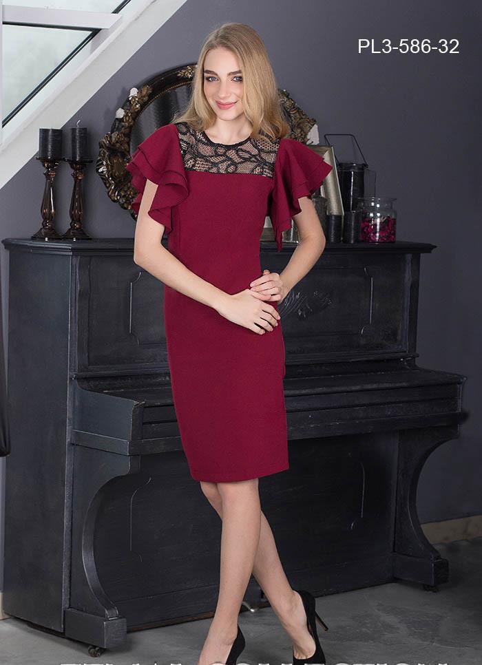 / Размер 42 / Женское молодежное платье прилегающего силуэта / цвет бордо
