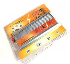 Перетворювач авто інвертор 12В-220В 2500W USB
