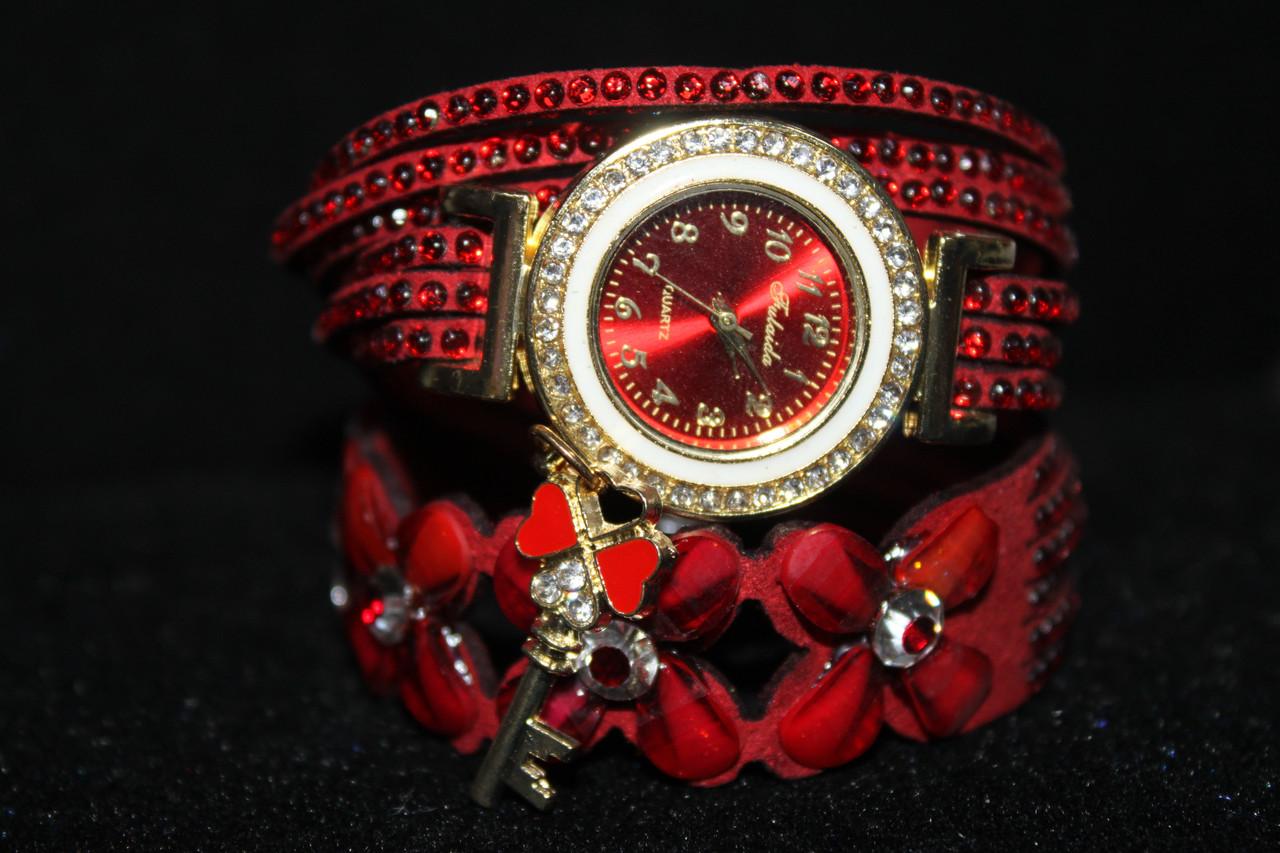 Женские часы на длинном ремешке красный с цветками из камней
