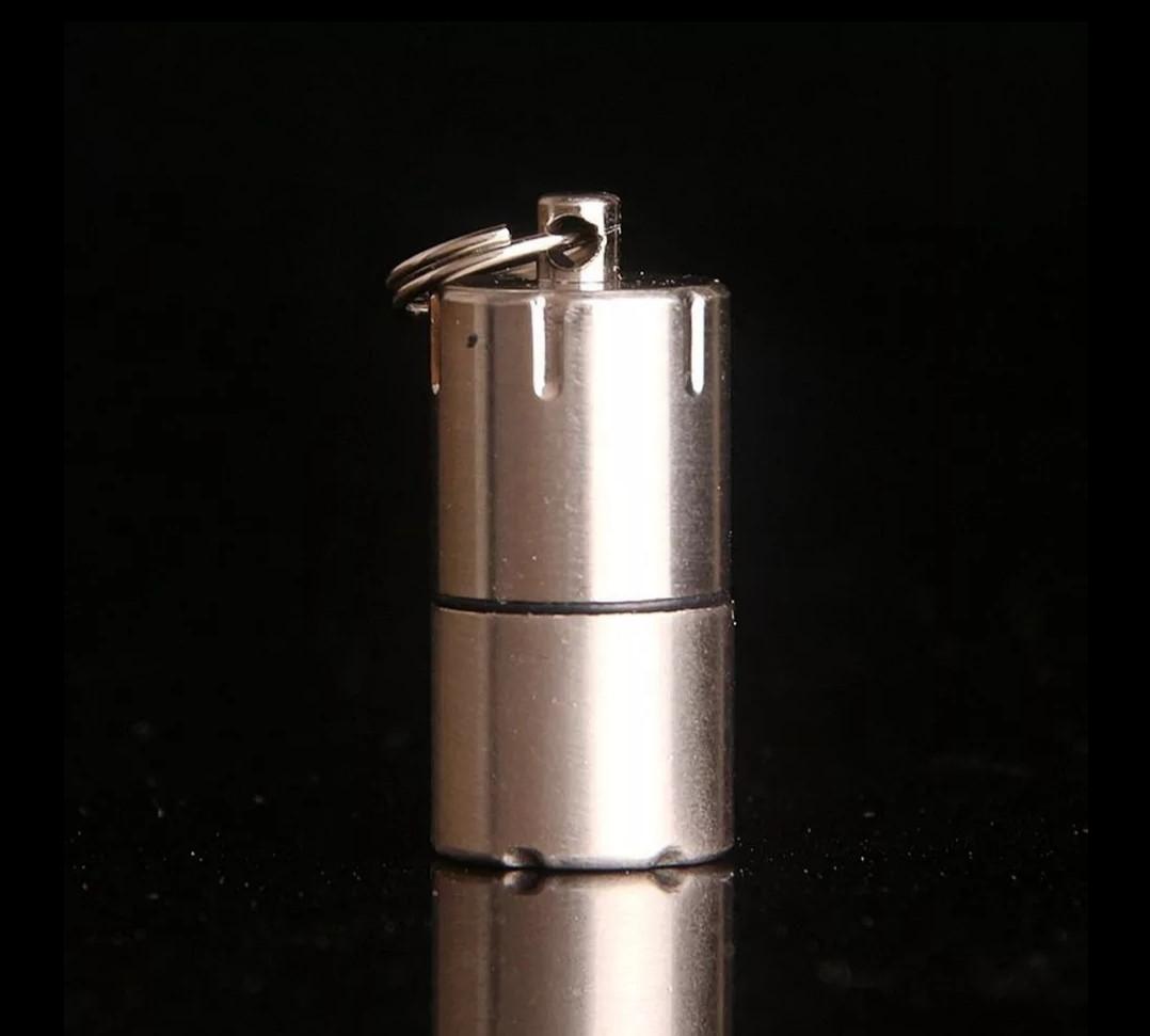 DOLPHIN Запальничка-брелок компактна міні бензинова запальничка Срібна