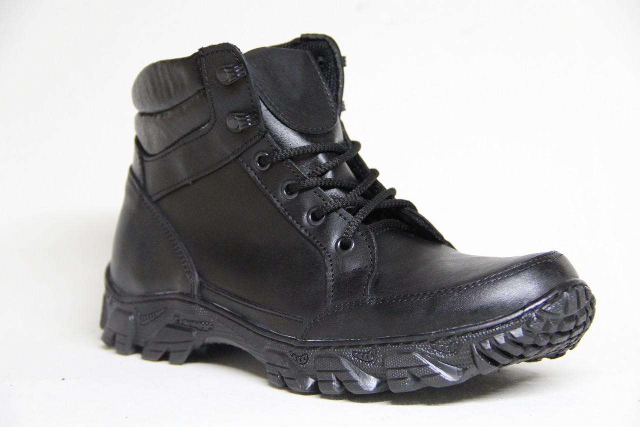 Тактические ботинки берцы из натуральной кожи черного цвета на шнуровке от производителя
