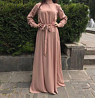 Красивое платье в пол с высоким воротником и поясом