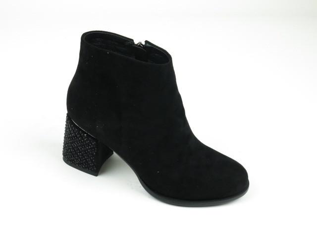 Замшевые ботинки на каблуке Y1025-D1434 BLACK ZAMSHA весна 2020