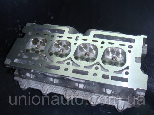 Головка блока цилидров , ГБЦ RENAULT DACIA 1.2 16V D4F CLIO KANGOO
