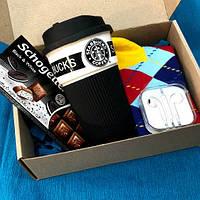 Подарок парню, мужу, другу с чашкой starbucks и наушниками