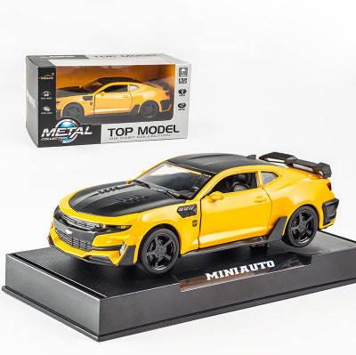 Модель автомобиля Chevrolet Camaro точная копия 1:32 со светящимися фарами и звуковыми эффектами мотора., фото 2
