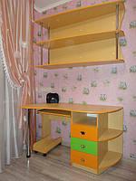 Компьютерный,письменный стол в детскую комнату на заказ в Харькове.