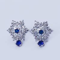 """Серьги гвоздики """"Снежинка"""" с синими кристаллами и цирконием"""
