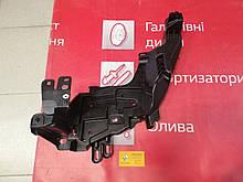 Кронштейн переднего бампера левый Renault Megane 3 2012-2014 (Original 622232066R)