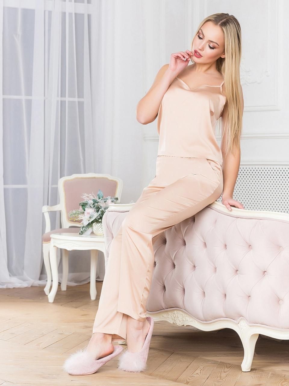 Бежевая шелковая пижама с брюками