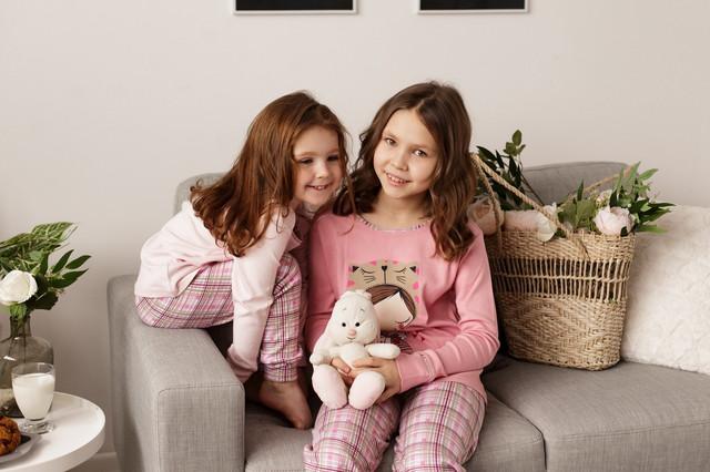 Пижамы, домашние тапочки, халаты детские
