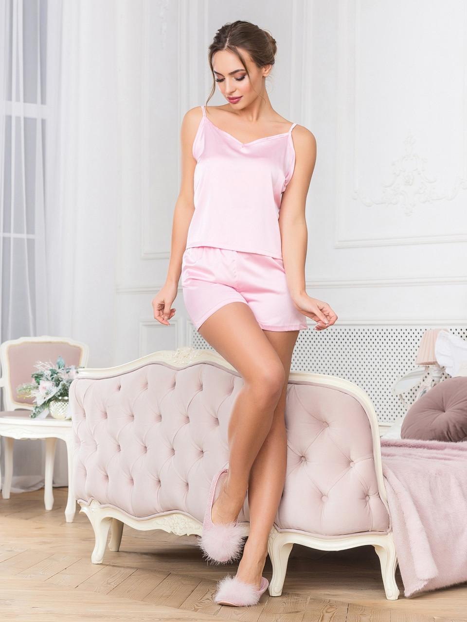Рожева шовкова піжама з шортами