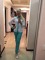 Стильный, легкий костюм для офиса