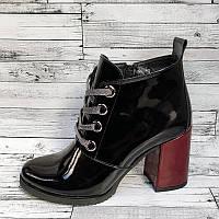 Женские лаковые ботинки на высоком каблуке