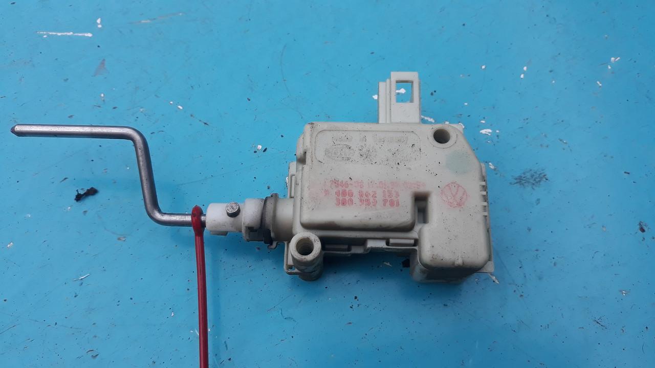 Электропривод сервопривод привод активатор замка лючка крышки бензобака seat skoda vw audi 4b0862153 3b0959781