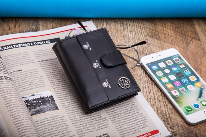 Шкіряний вертикальний гаманець BETLEWSKI  RFID