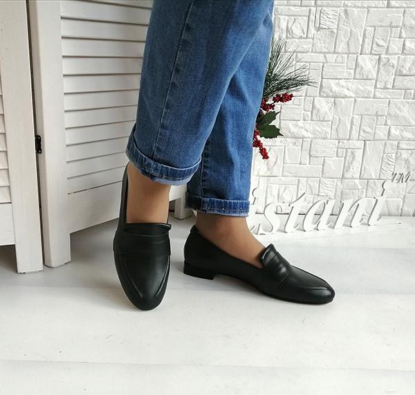 Зеленые кожаные туфли - лоферы