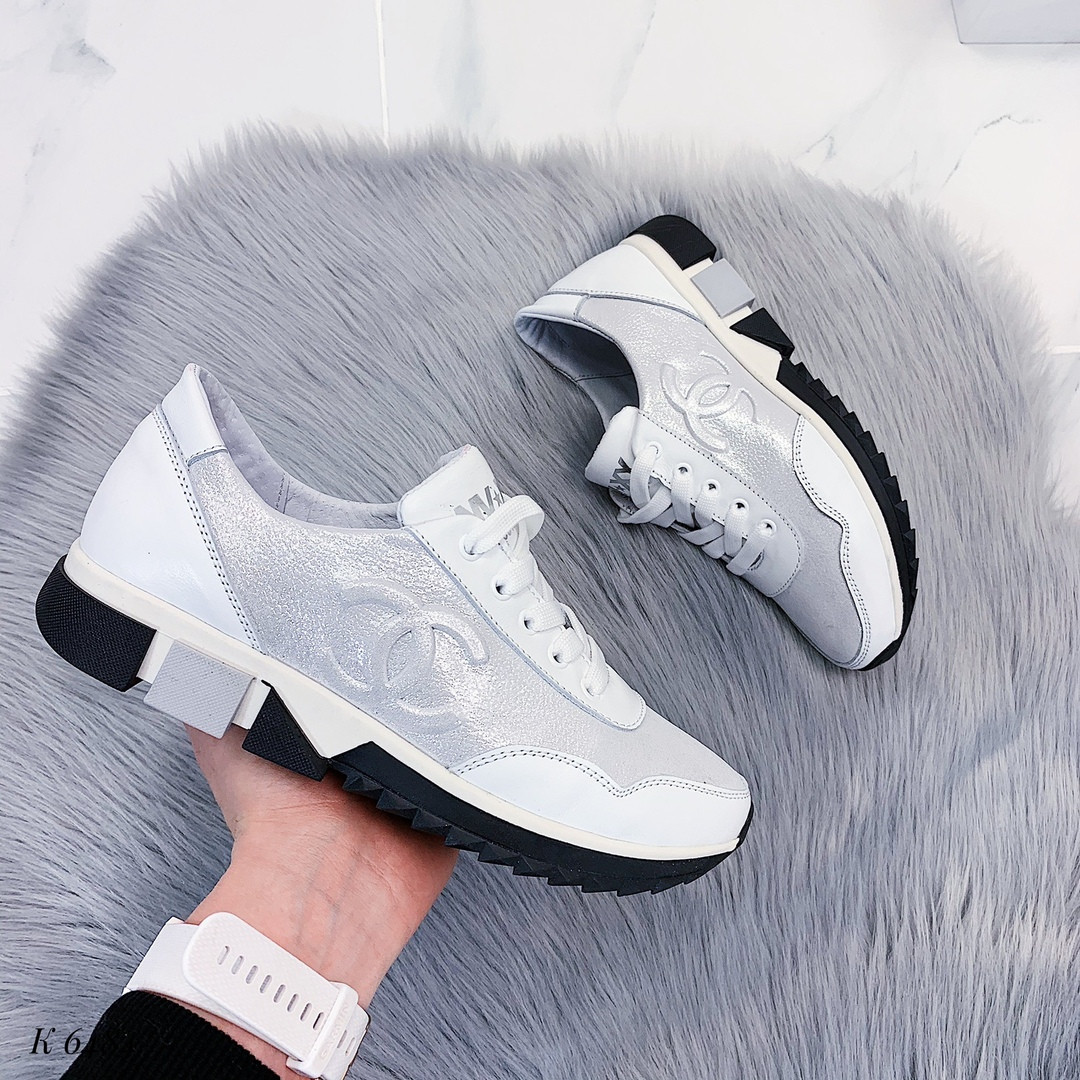 Якісні шкіряні кросівки