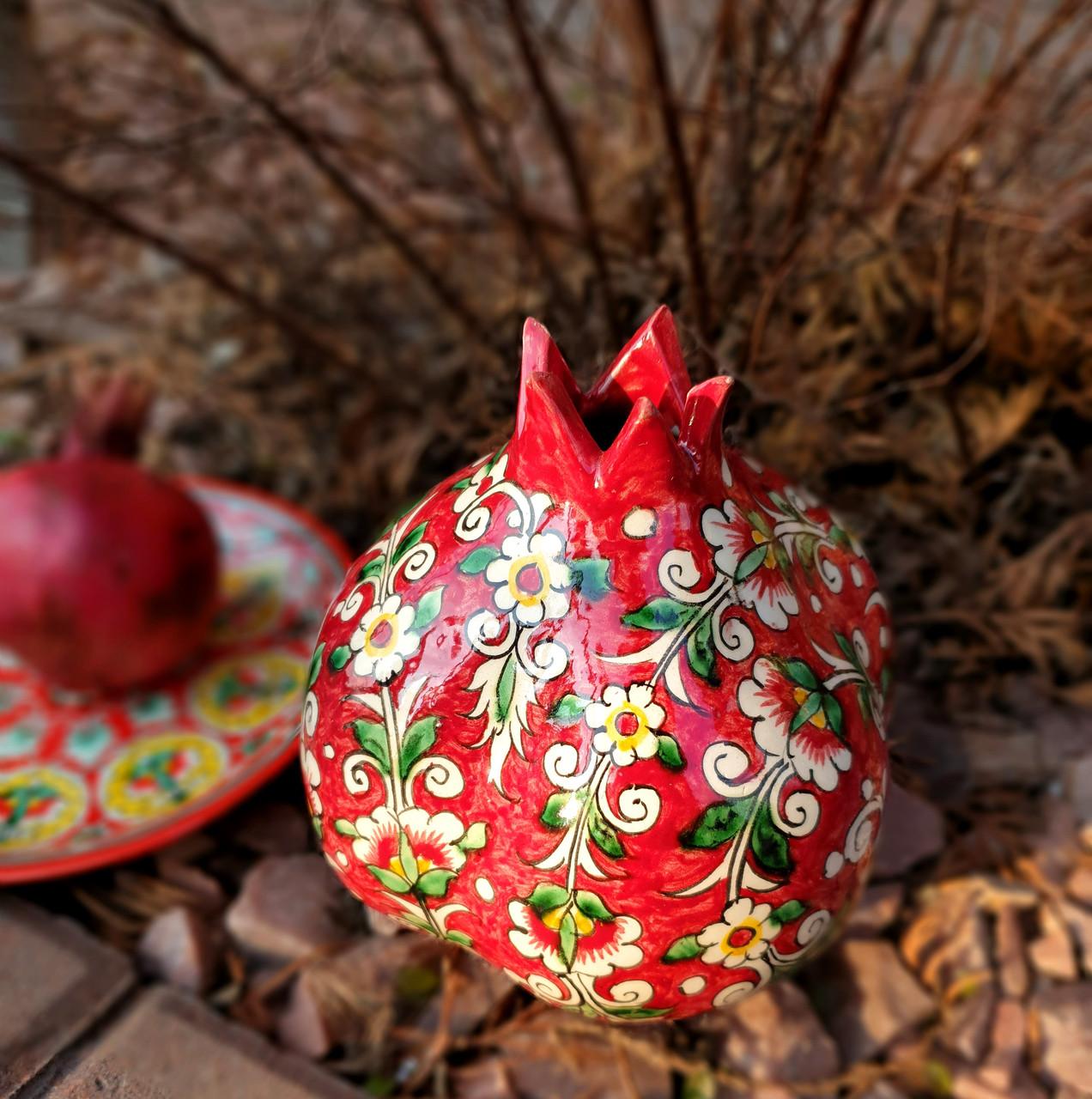 Керамический гранат с росписью. Узбекистан