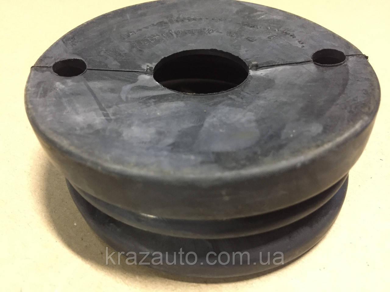 Уплотнитель ограничителя открывания двери КРАЗ 250-6106090-10