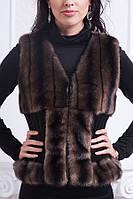 Короткая женская меховая жилетка