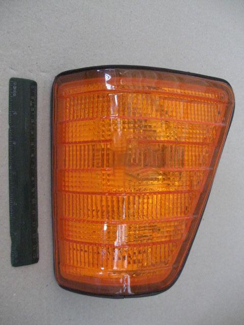 Указатель поворота левый Mercedes L207D-410 (TYC). 18-3570-05-2B